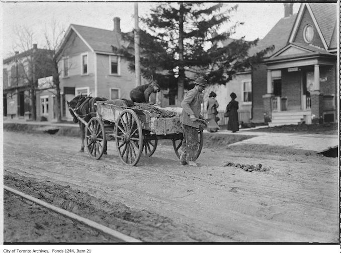 1907 - Road repairs on north Yonge Street at Eglinton Avenue