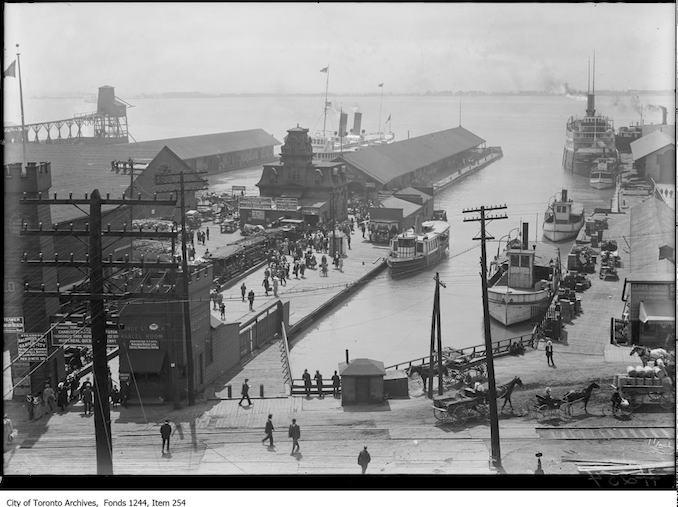1912 - Ferry docks at foot of Yonge Street