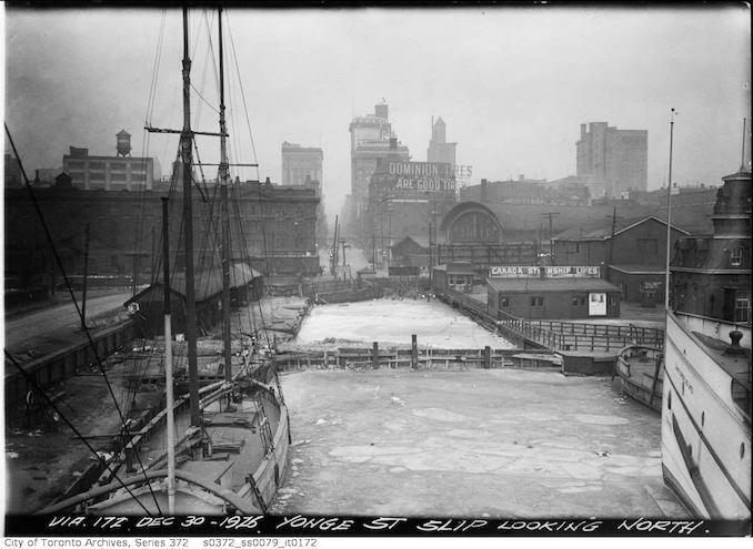 1926 - Yonge Street slip looking north