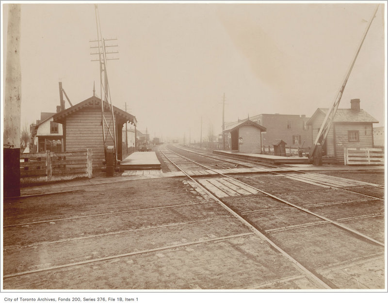 1890? - Queen Street East crossing looking north