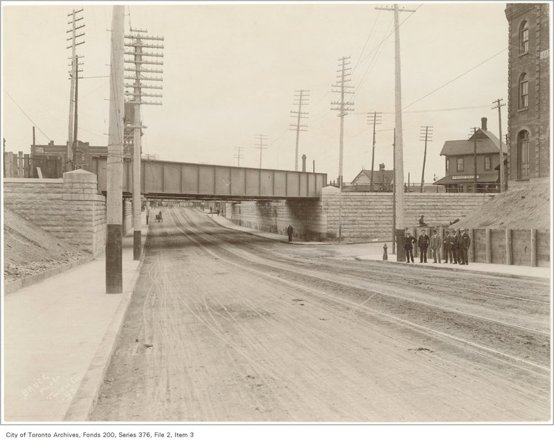 1898 - Queen Street subway looking east