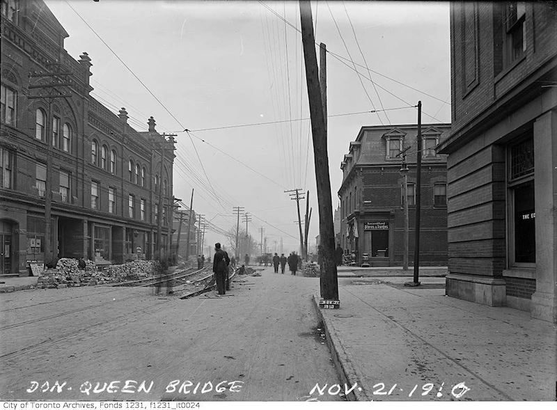 1910 - Nov 21 - Queen Street - Don River Bridge east side after looking west