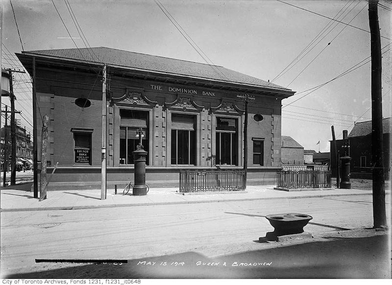 1914 - Dominion Bank, southeast corner of Queen Street and Broadview Avenue