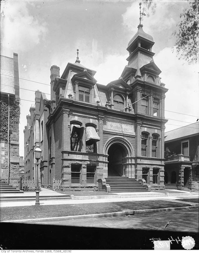 1901 - Ontario College of Pharmacy, Gerrard Street East