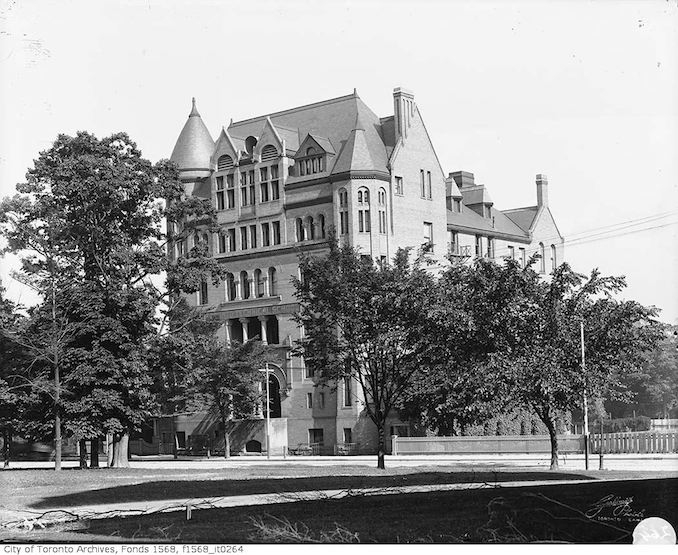 1901 - Toronto Police Department Headquarters, College Street formerly Toronto Technical School