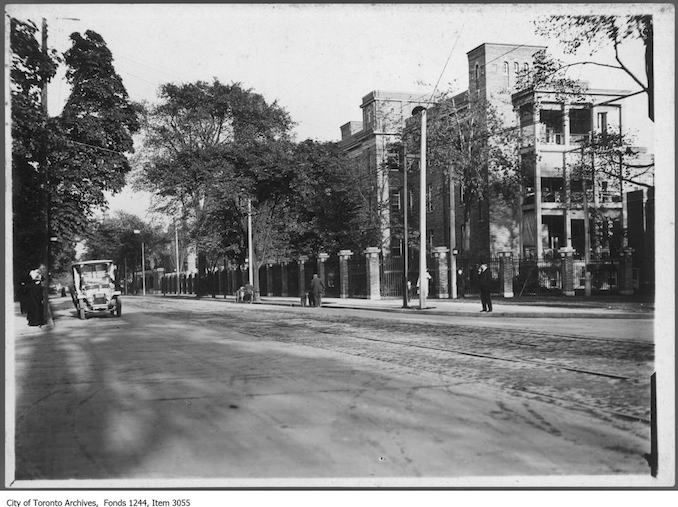 1912 - Toronto General Hospital, looking east along College Street from University Avenue