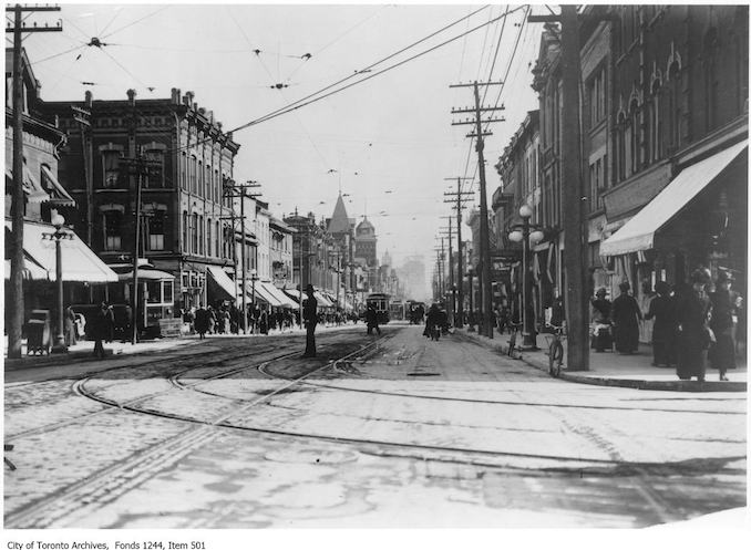 1912 - Yonge Street at College Street, looking south