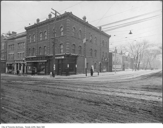 1914 - Southwest corner of Yonge Street and College Street