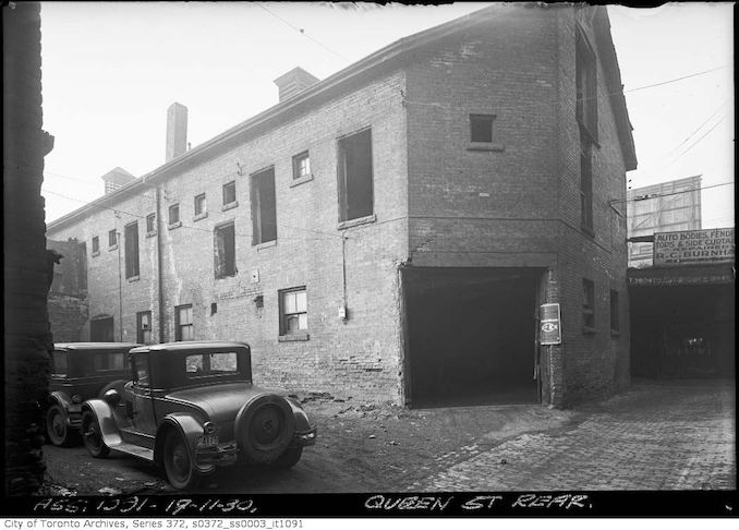 1930 - Nov 17 - Vintage Queen Street rear — University Avenue Extension
