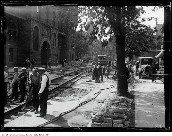 1930 - sept 8 - College Street widening, tearing up pavement