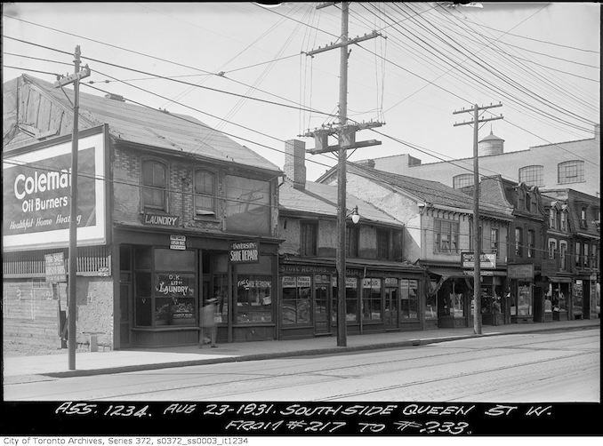 1931 - Aug 23 - South side Queen Street west from 217 to 233