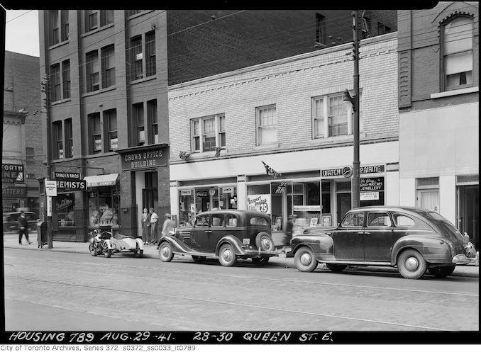 1941 - 28-30 Queen Street East