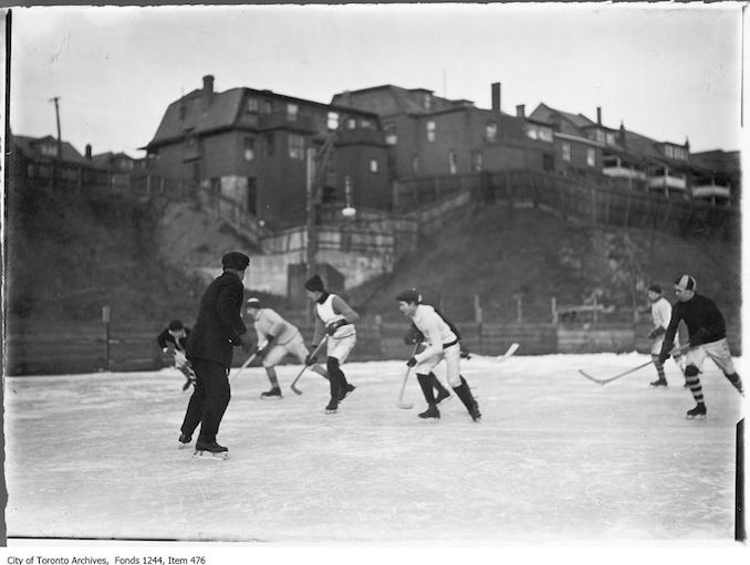 1912 - Professional hockey players, Christie Pits copy