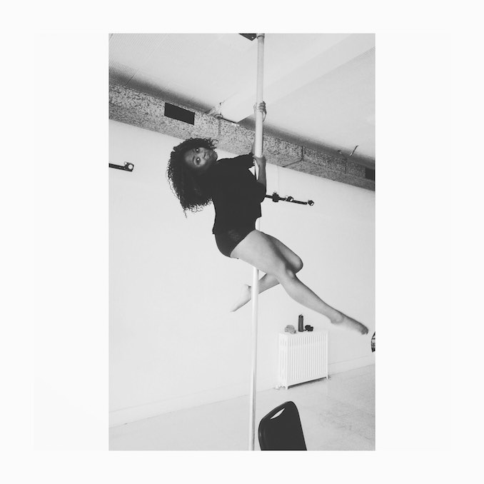 Mamito_ Going Up!! In a Pole dancing class at Brass Vixens