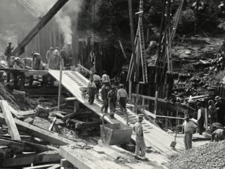 1915-September-21-Construction-work-on-Bloor-Street-Viaduct-Pier-E