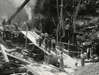 1915-September-21-Construction-work-on-Bloor-Street-Viaduct-Pier-E