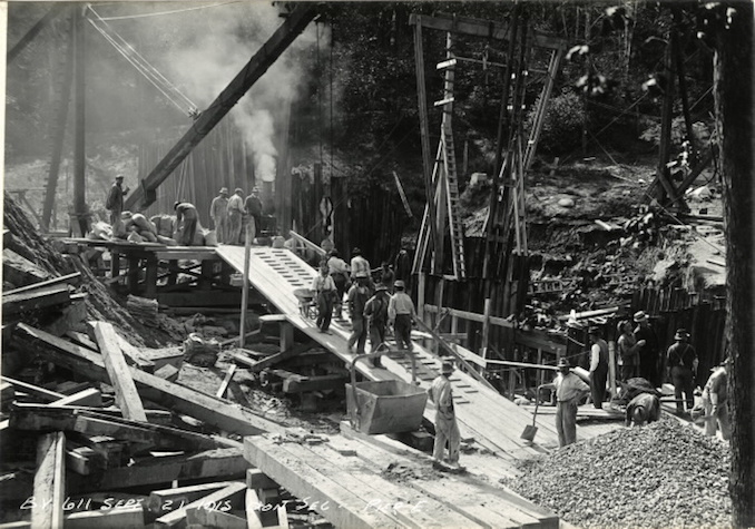 1915 - September 21 - Construction work on Bloor Street Viaduct, Pier E