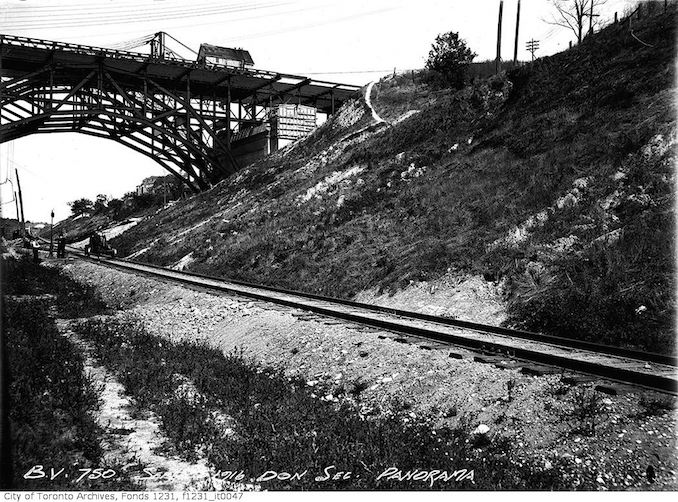 1916 - September 25 - Bloor Viaduct, Don section, Pan copy 2