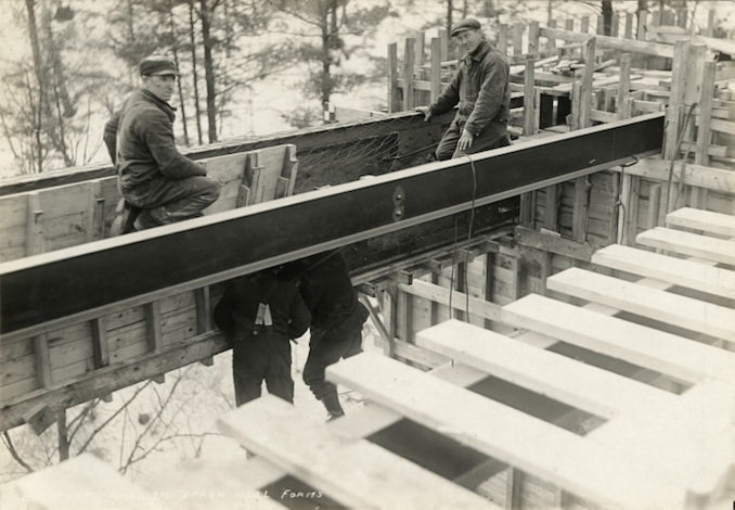 1917 - March 10 - Bloor Street Viaduct under construction, Apron wall forms