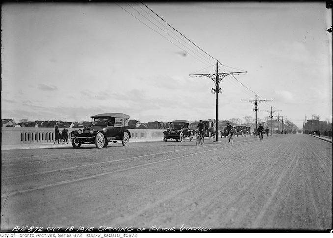 1918 - October 18 - Traffic on Bloor Viaduct - opening