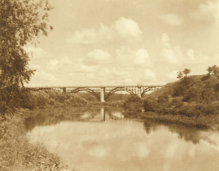 1922 - Prince Edward Viaduct, looking north