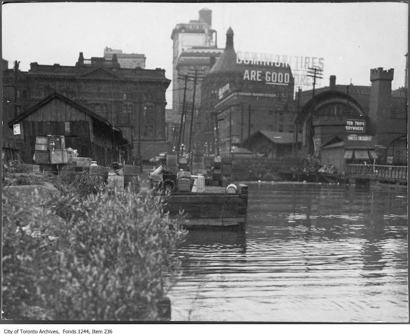 1910? - Waterfront at foot of Yonge Street - Toronto waterfront