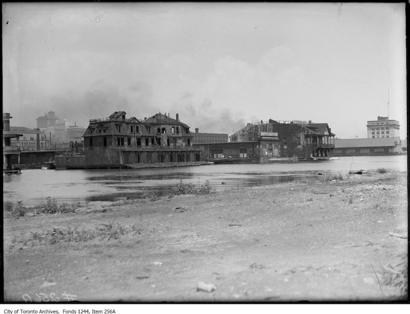 1914 - Waterfront at foot of Simcoe Street, looking northeast
