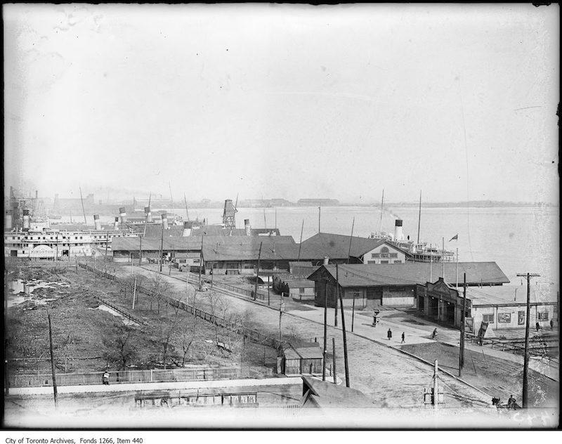 1923 - april 5 - Waterfront with boats, bird's-eye view