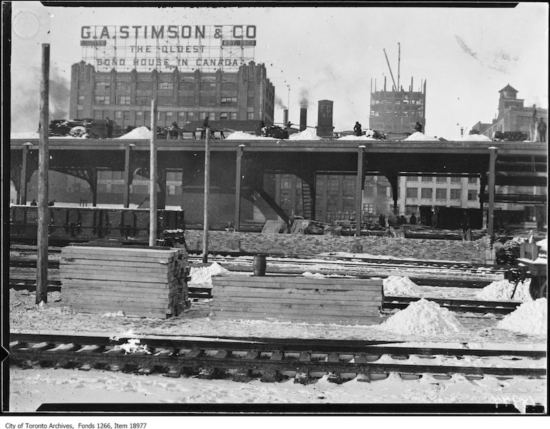 1930 - Viaduct work, train sheds, from foot of Bay Street