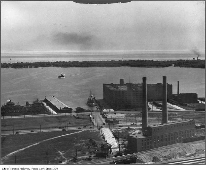 1936 - Waterfront at foot of York Street from Royal York Hotel