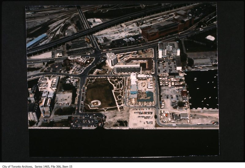1981-1988 - waterfront Harbourfront/Bathurst Quay