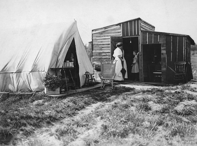 Vintage Ontario - 1908 - Tent and shack, Toronto Island