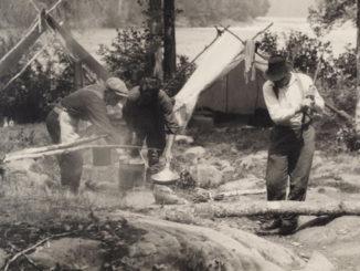 1925 - H. Armstrong Roberts - Nipigon Men cooking copy 3