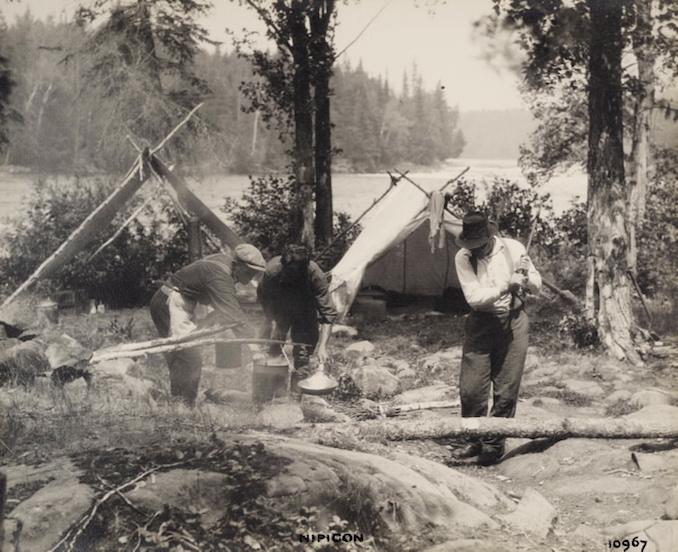 1925 - H. Armstrong Roberts - Nipigon Men cooking copy