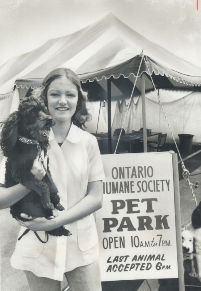 1975 - Looking after visiting pets - Lydia Chornewich - 18 - works for the Metropolitan Toronto Zoo - in the pet park - run by the Ontario Humane Society - Reader wishes other places provided same service