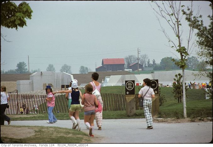 1975 - May - Children, group, Metro Toronto Zoo