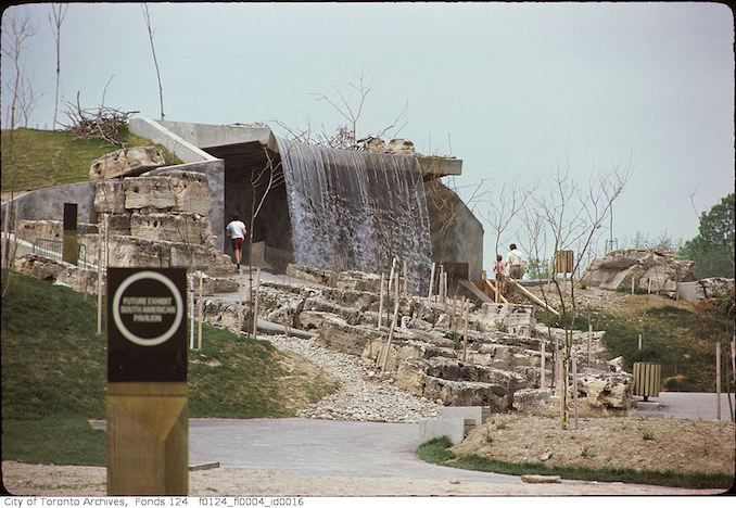 1975 - May - Pavilion, Metro Toronto Zoo