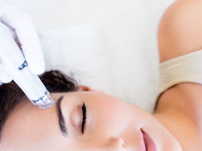 There are facials with results that last and the Hydrafacial has been one that has received a lot of buzz from beauty industry insiders and consumers alike.
