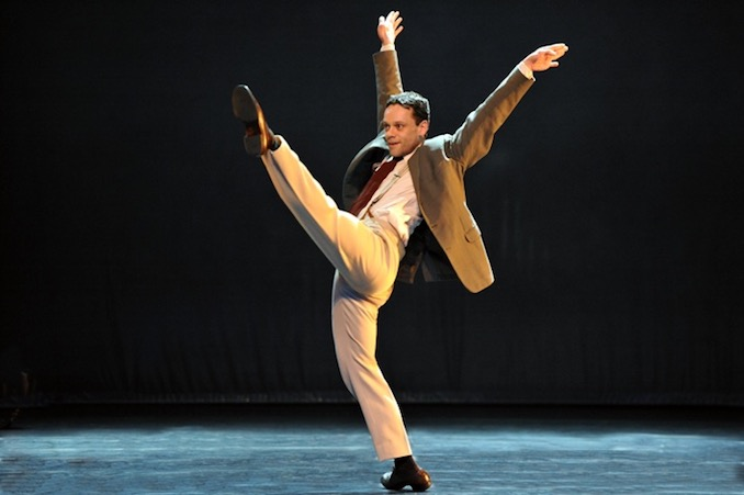 Louis Laberge-Côté - Me performing Film Noir (choreography: Kevin O'Day) with the Kevin O'Day Nationaltheater Ballett Mannheim in Germany (photo: Georg Stein)