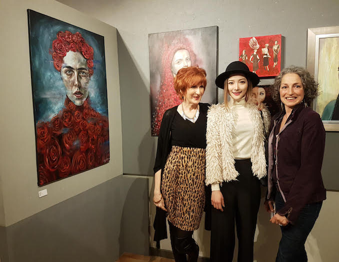 With my friends Lucy and Jo-ahn at my group exhibition (Artusiasm Gallery)