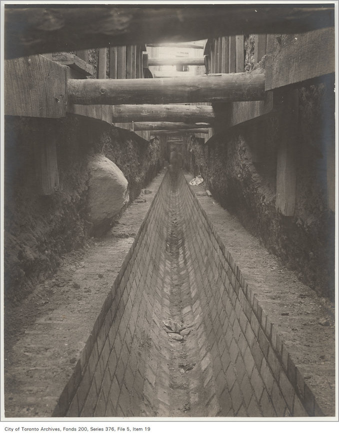 Toronto Sewer System - 1890? - Avenue Road sewer