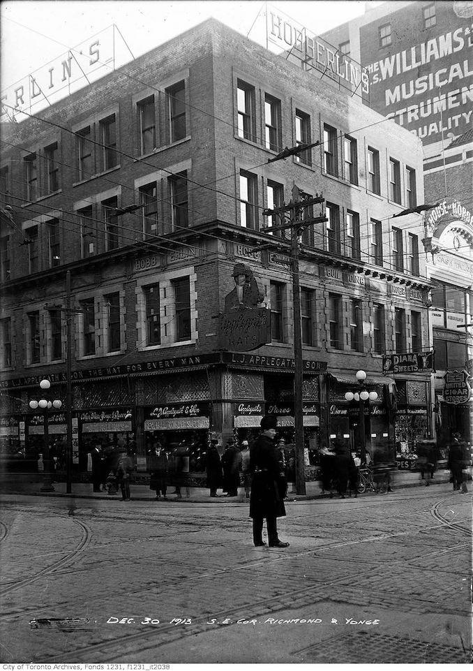 1913 - Yonge and Richmond
