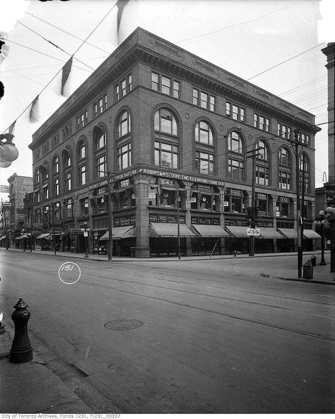 1919 - Yonge and Shuter NE corner