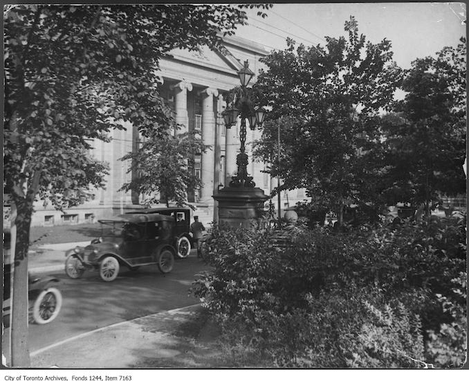 1920 - Avenue RD and Bloor