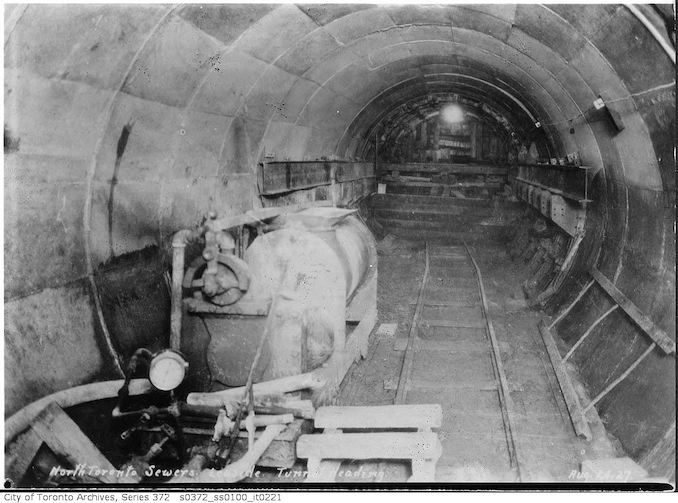 1927 - North Toronto Sewers, Leaside tunnel heading