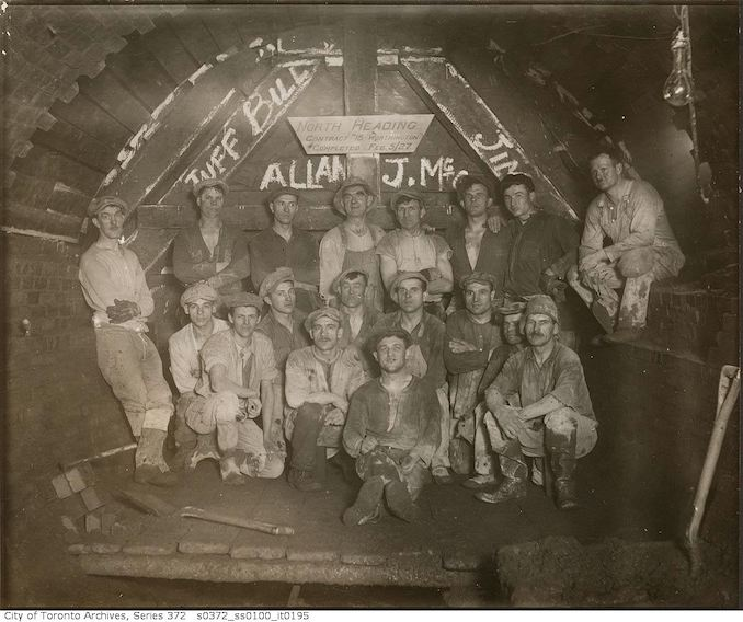1927 - Sewers, north heading completed - workers, contract 18, Worthington