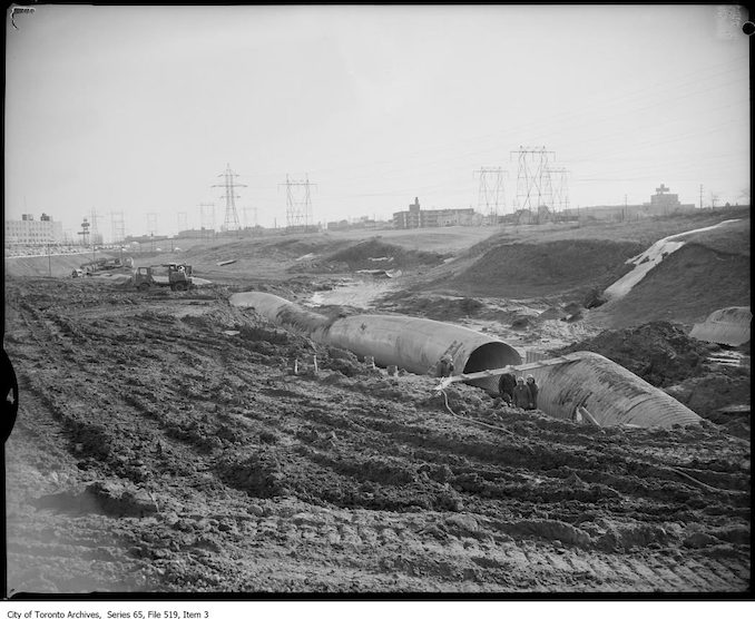 1960? - Sewer construction, Eglinton Avenue and Bermondsey Road