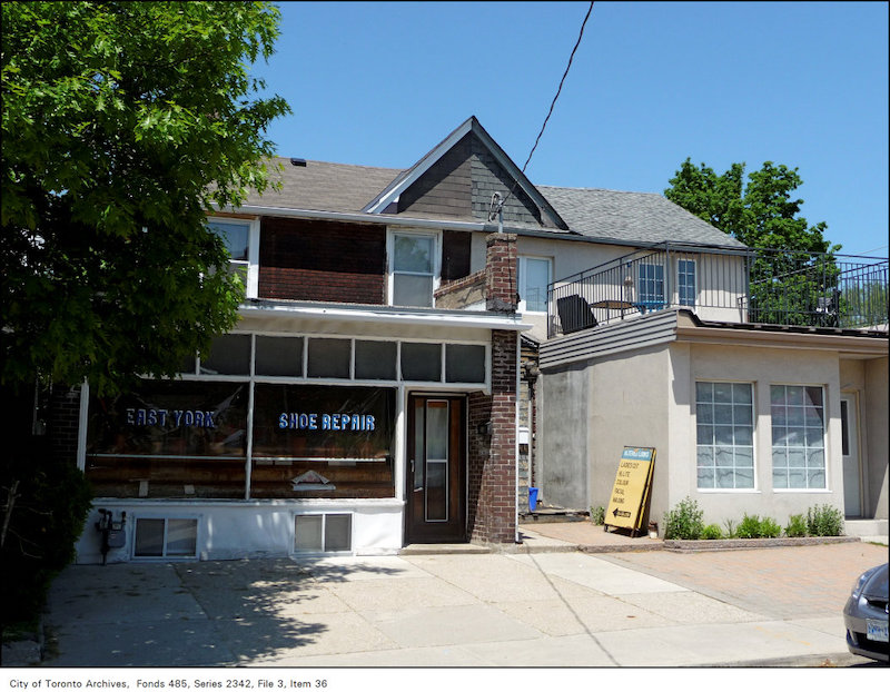 2009 - May 24 - Former East York Shoe Repair, 232 Sammon Avenue, at Marlowe Avenue, north-west corner