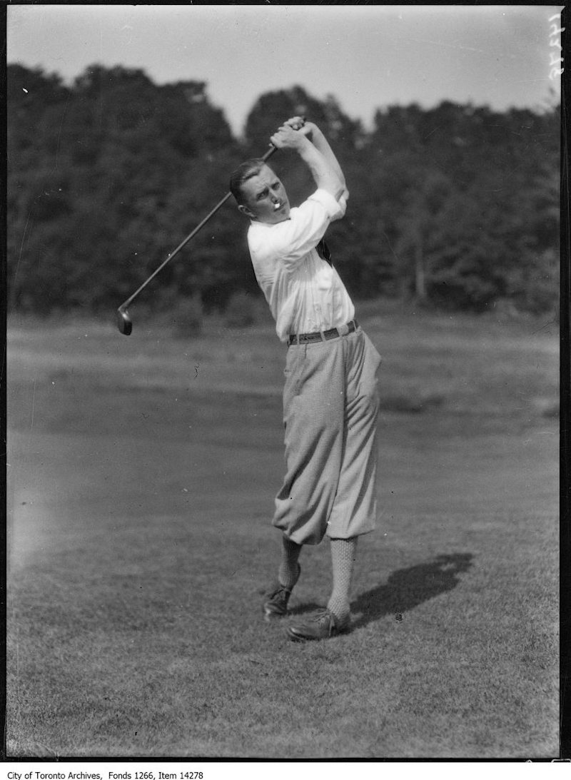 1928 - July 26 - Rosedale Golf, Aubrey Boomer, Paris, France, action