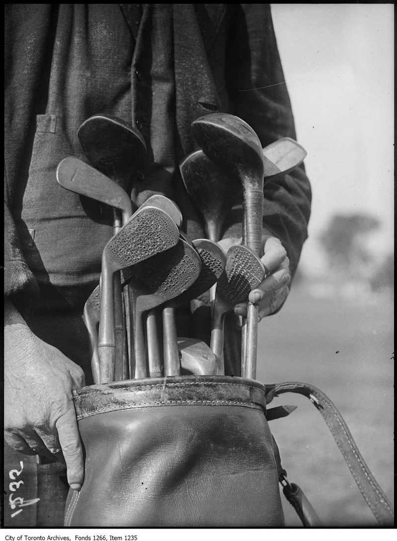 1923 - august 4th - Lakeview Golf Club, Sarazen's punched clubs